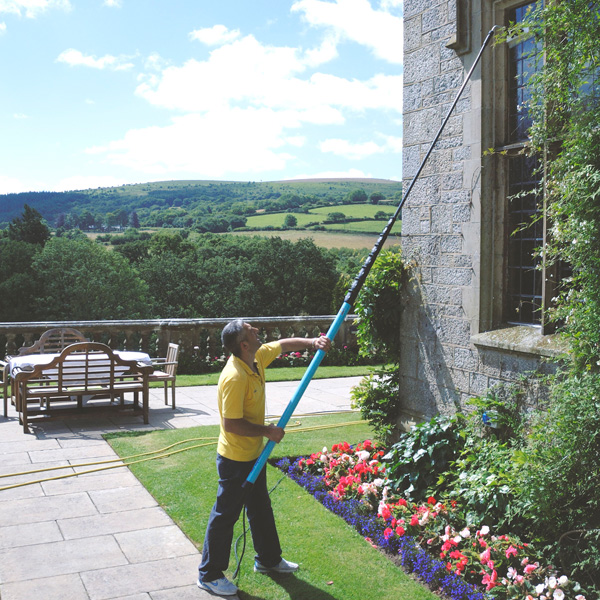 Window Cleaning Pole System: A Beginner's Guide